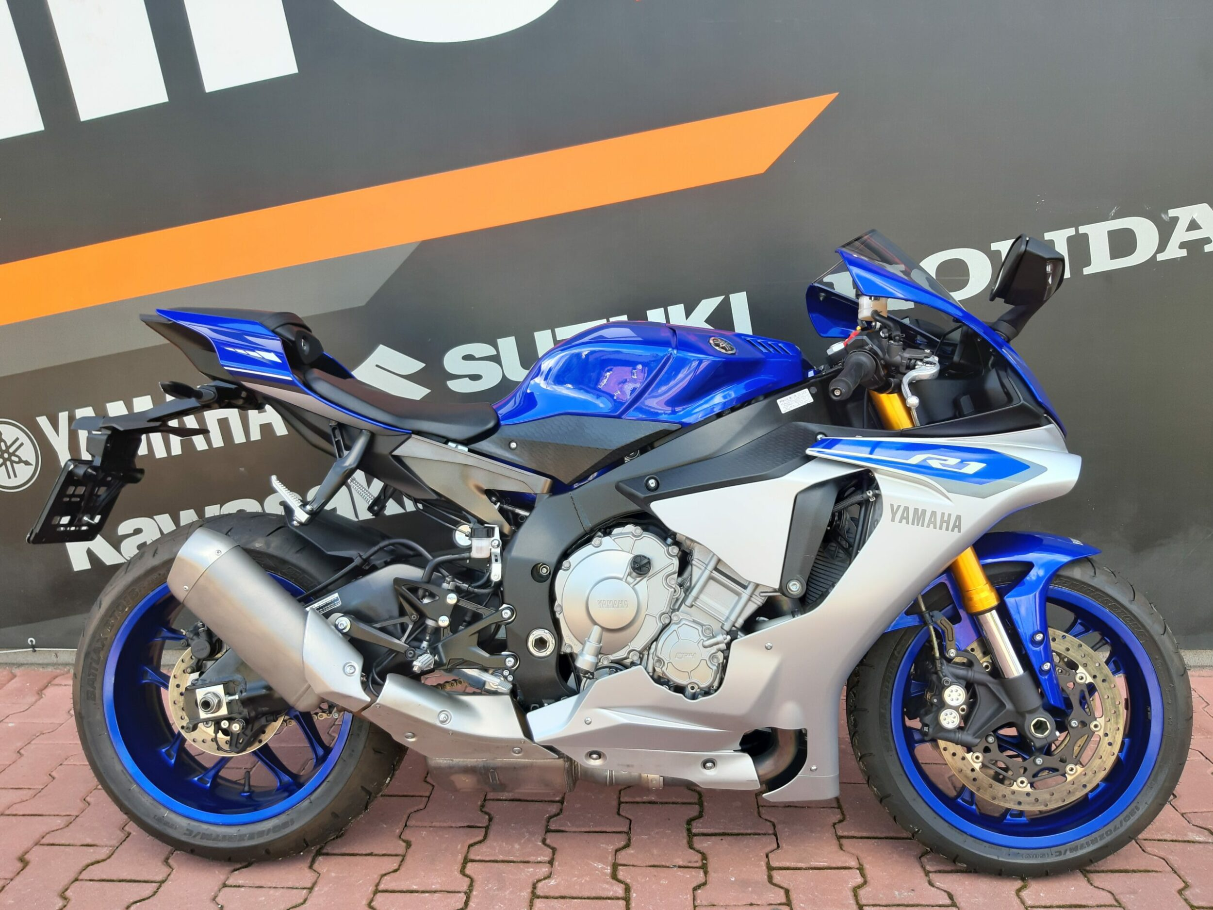Read more about the article Yamaha YZF R1 – 59.900zł